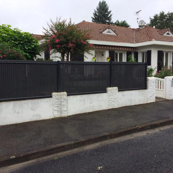 installation de clôtures Pau